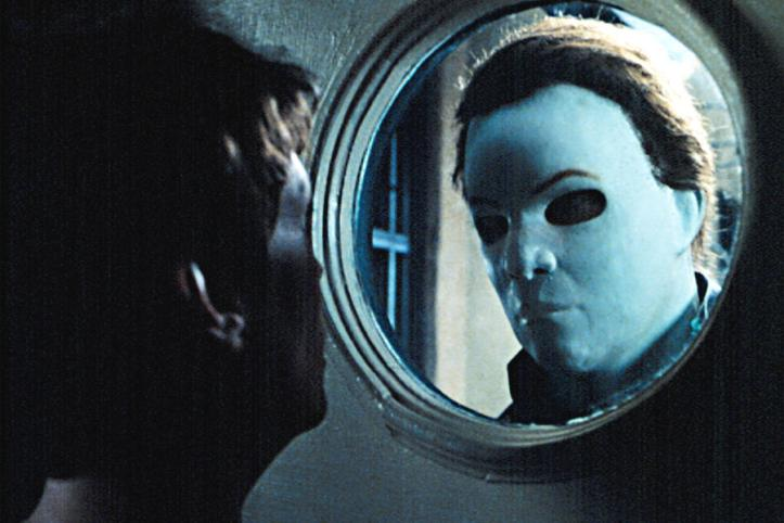 HALLOWEEN H20: 20 YEARS LATER, Jamie Lee Curits, Chris Durand (as Michael Myers,) 1998.